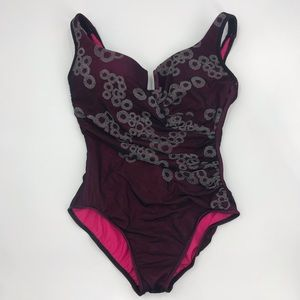 Miraclesuit One Piece Black/Pink Size 16 245